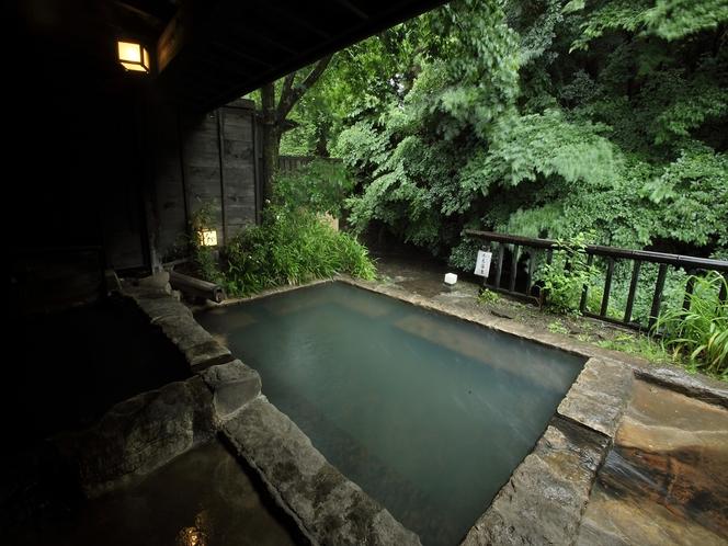 自然を感じる露天風呂