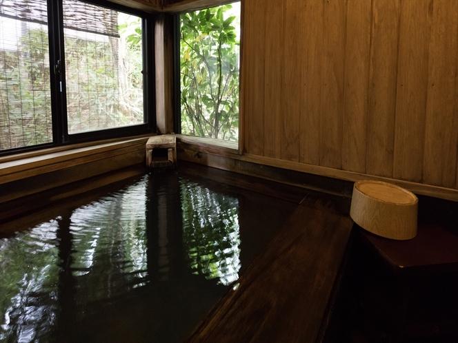 プライベートに温泉を楽しむ貸切内風呂