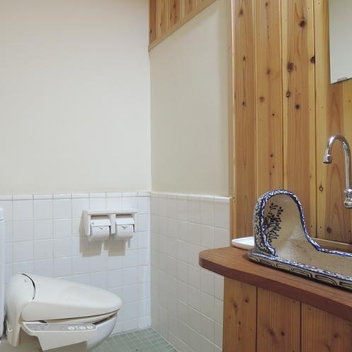 【施設】お手洗いも、寛ぎの和の空間