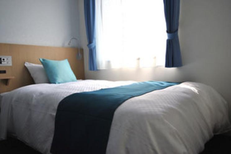 お部屋ベッドはシモンズベッドを全室完備