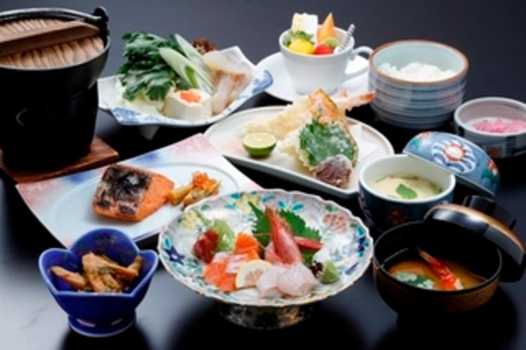 ご夕食和洋膳  (季節に応じてメニュー内容の変更がございます)