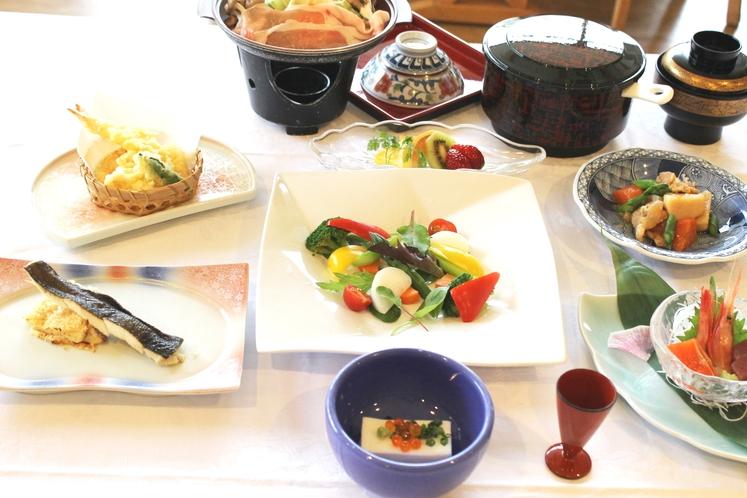 夕食お膳(季節に応じてメニュー内容の変更がございます)