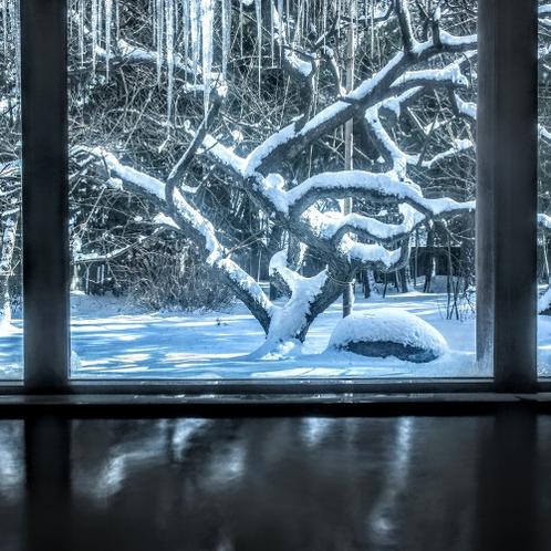 冬の女性大浴場