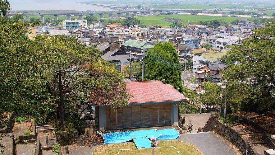 *日奈久温泉神社から望む町並み