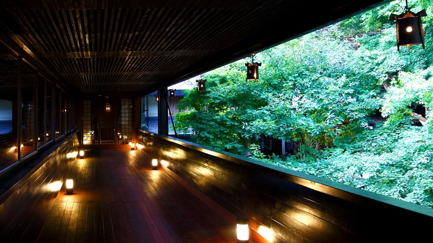 香風橋(別館と玄関棟をつなぐ渡り廊下)