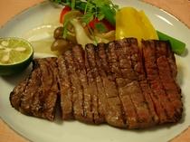 山形県産牛のステーキの一例