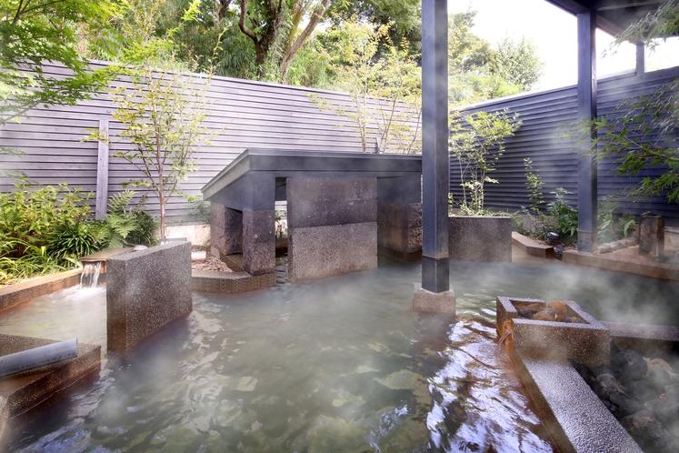デザイナーズ露天 洞窟風呂