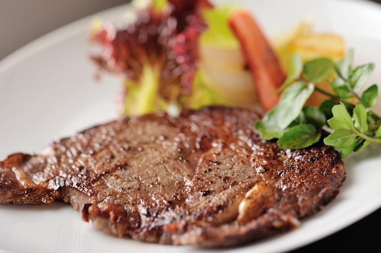 特選グルメプランのステーキ