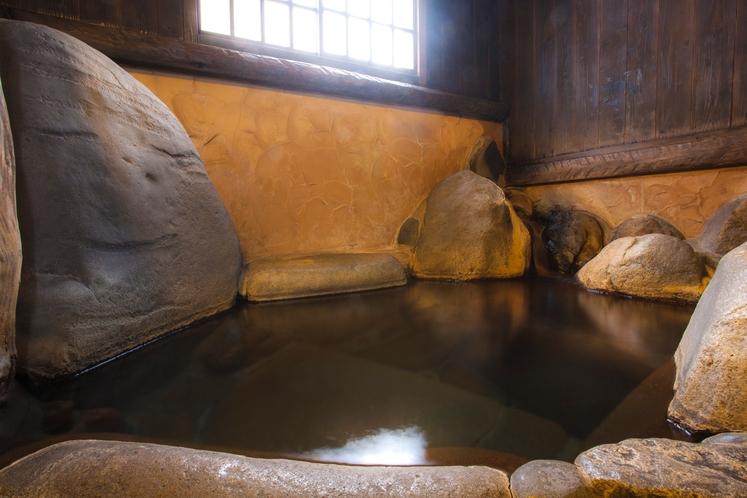 自然岩の湯
