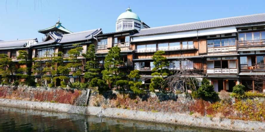 松川側からの外観 伊東八景に選定されています