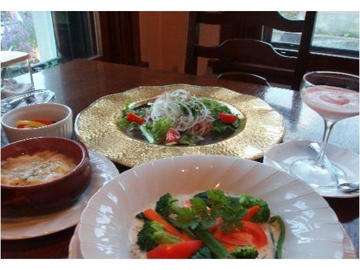 ツインルーム 【2食付】 季節のディナー付プラン♪