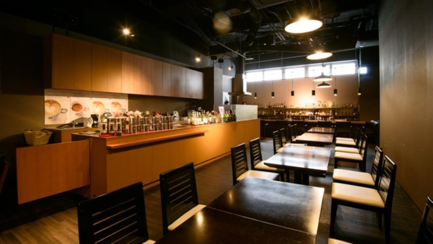 Bar&Sushi 紺と白 店内画像