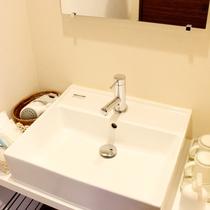*【洗面台】洋室タイプの洗面台です。
