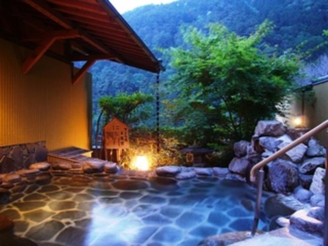 夕暮れの殿の湯