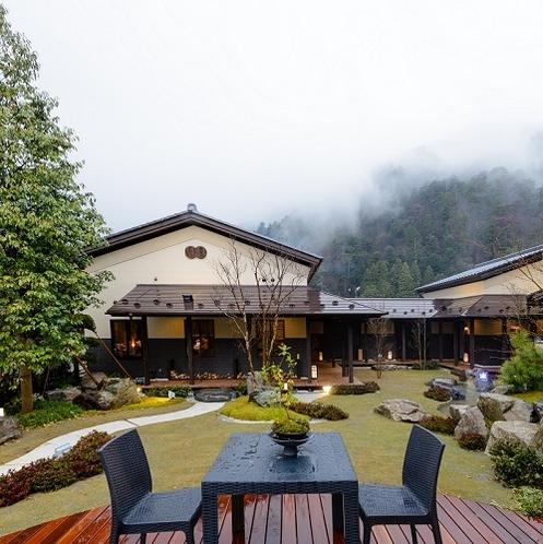 飛騨牛茶寮 神月 四季の自然を楽しめる庭園