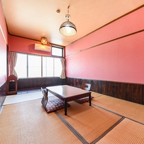 *【和室6畳/一例】鮮やかなピンクの壁紙が印象的な「さくら」のお部屋。