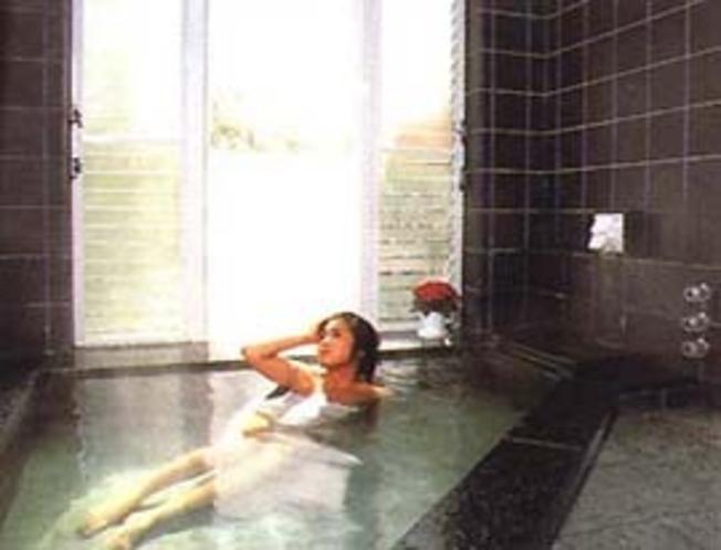 天然温泉風呂 5