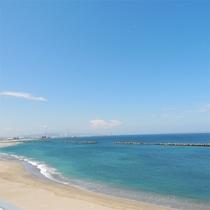 *[客室一例]阿字ヶ浦海岸を一望!波の音もすぐ近くに聴こえ非日常のひとときを過ごせます。