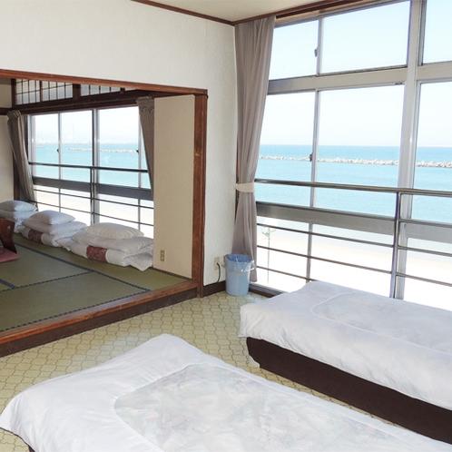 *[客室一例]スポーツ合宿等グループのご利用にも便利な広いお部屋もございます。