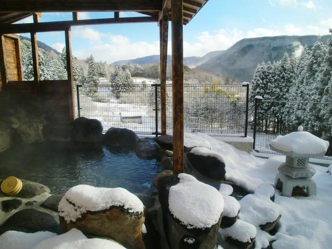 女性大浴場 露天風呂 冬