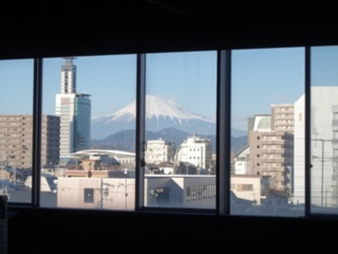 別館から見た富士山