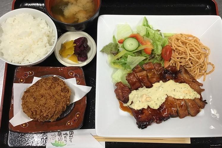 【味自慢】照焼きチキン&自家製コロッケ定食