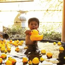 3つの貸切風呂は親子で遊んでも平気!湯上がりは子供もうれしいアイスもありますっ!