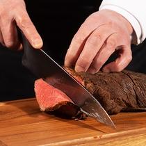 キメ細かい『肉質』と味わい深い『脂』が自慢の山形牛を是非ご賞味下さい。