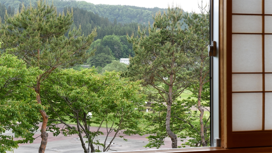 *客室からの眺望<公園側>