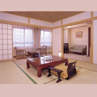 和室(10畳+リビング8畳) 51.8平米