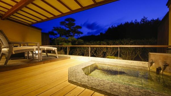 御影石露天風呂+和室6畳+ツインベッド+庭テラス