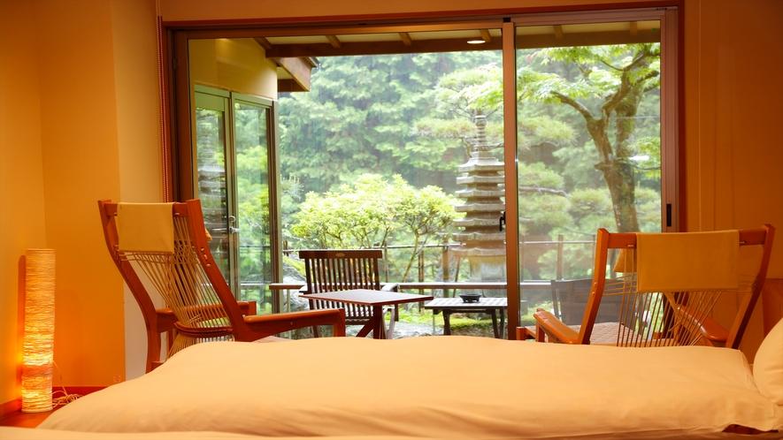 《朝もや 136号室》花形内風呂+和室6畳+ツインベッド+庭テラス