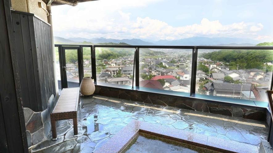 ■上田の町を見下ろす男性展望露天風呂