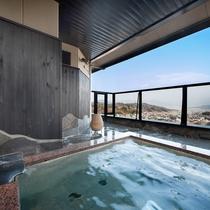 殿方用 大浴場の露天風呂