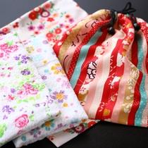 ■全お部屋に女性限定特典の花柄の巾着とタオルをご用意いたします