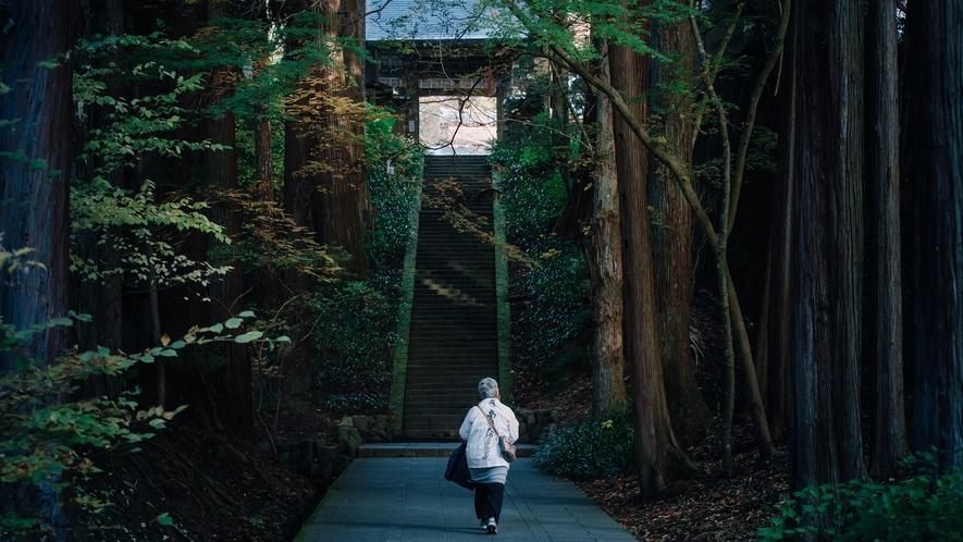 ■安楽寺 別所三楽寺のひとつ、国宝に指定されている八角三重塔が有名。当館より徒歩5分