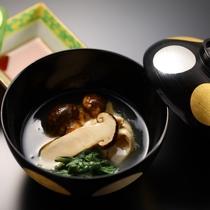 別注料理「松茸のおひたし」10月上旬から11月上旬ぐらいまで