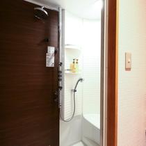 ■セミスイート和洋室のみシャワーブースが付いております