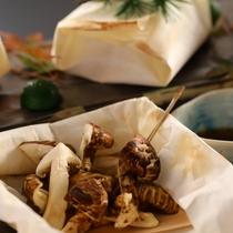 別注料理「松茸の奉書焼き」10月上旬から11月上旬ぐらいまで
