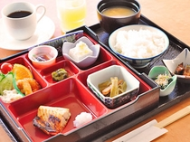 【朝食】和朝食の一例です。