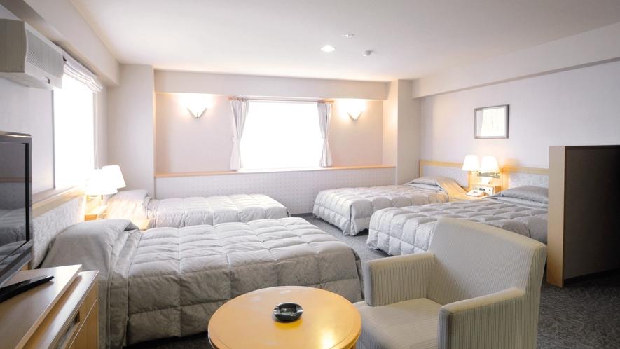 【フォースデラックス】ご家族連れにピッタリな広めの4ベッドルームのお部屋です。