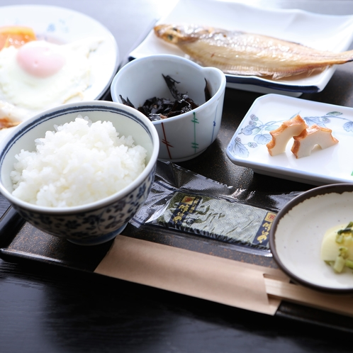 《朝食》身体に優しい和定食で一日を元気に♪