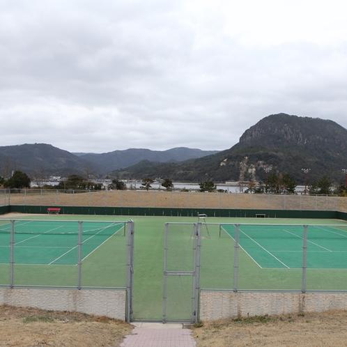 テニスコートも併設。あいらんどパークホテル