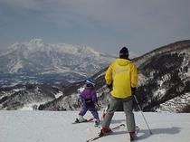 3世代スキー、徒歩5分。タングラムゲレンデ。