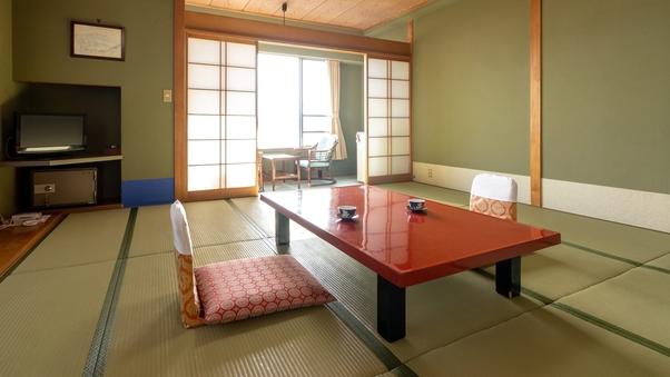 【街側】和室12畳◆諏訪湖もちょっぴり見えてリーズナブル