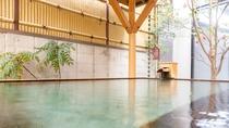 【露天風呂】上諏訪温泉は湯量豊富な弱アルカリ性単純泉。