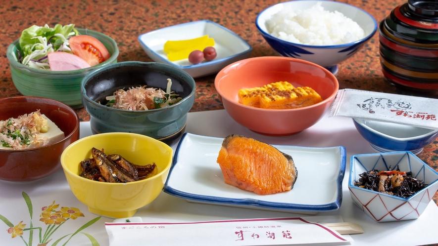 【朝食】諏訪湖の新鮮なワカサギを8時間以上かけて炊き上げた自家製甘露煮は絶品♪