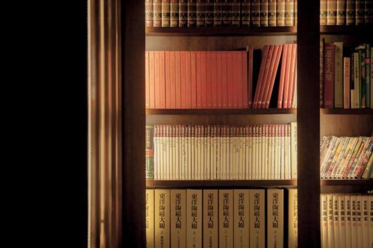 Library こもれび文庫