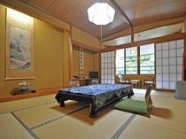 【客室】和室 ※トイレ付 客室より清津峡をご覧いただくことができます