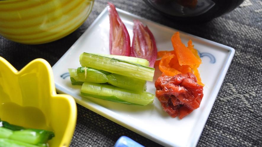 【朝食】手作りのお漬物。
